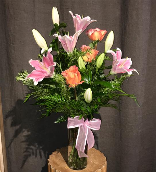 Sorbonne Lily and Garden Roses